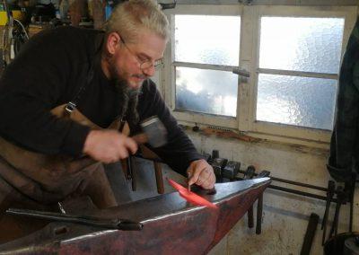 Messerklinge von Hand geschmiedet